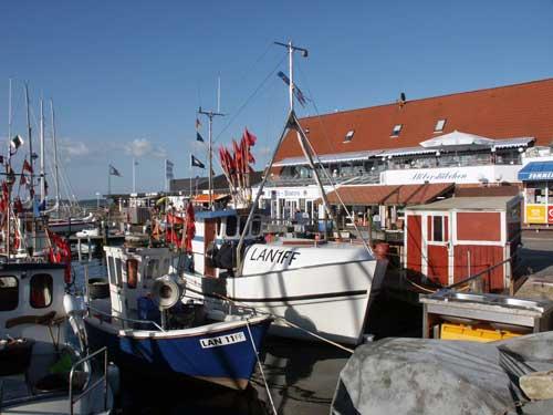 Langballigau: Traditioneller Fischereihafen in der Flensburger Förde mit Fährverbindung nach Dänemark (10 km)